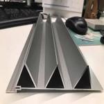 氟碳喷涂铝型材三角板价格