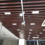 木紋色隔斷鋁型材標準厚度