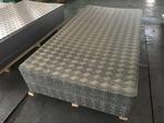 大量现货供应花纹铝板