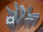 供應工業上所需的各種鋁合金型材