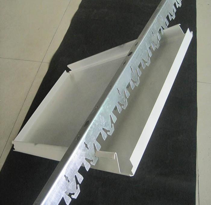 加气站雨棚吊顶高边防风铝条扣生产厂家