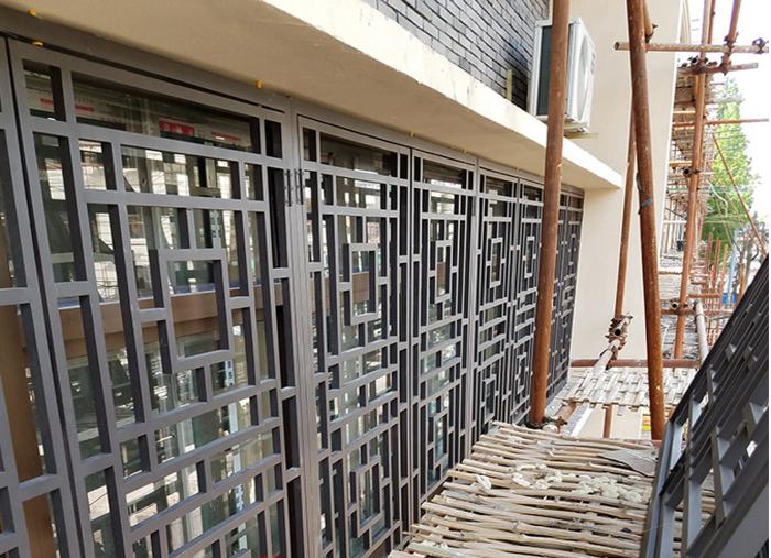 旧商场改造仿古铝合金花格窗价格批发行情
