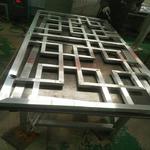 旅游小区木色铝花格窗产品咨询