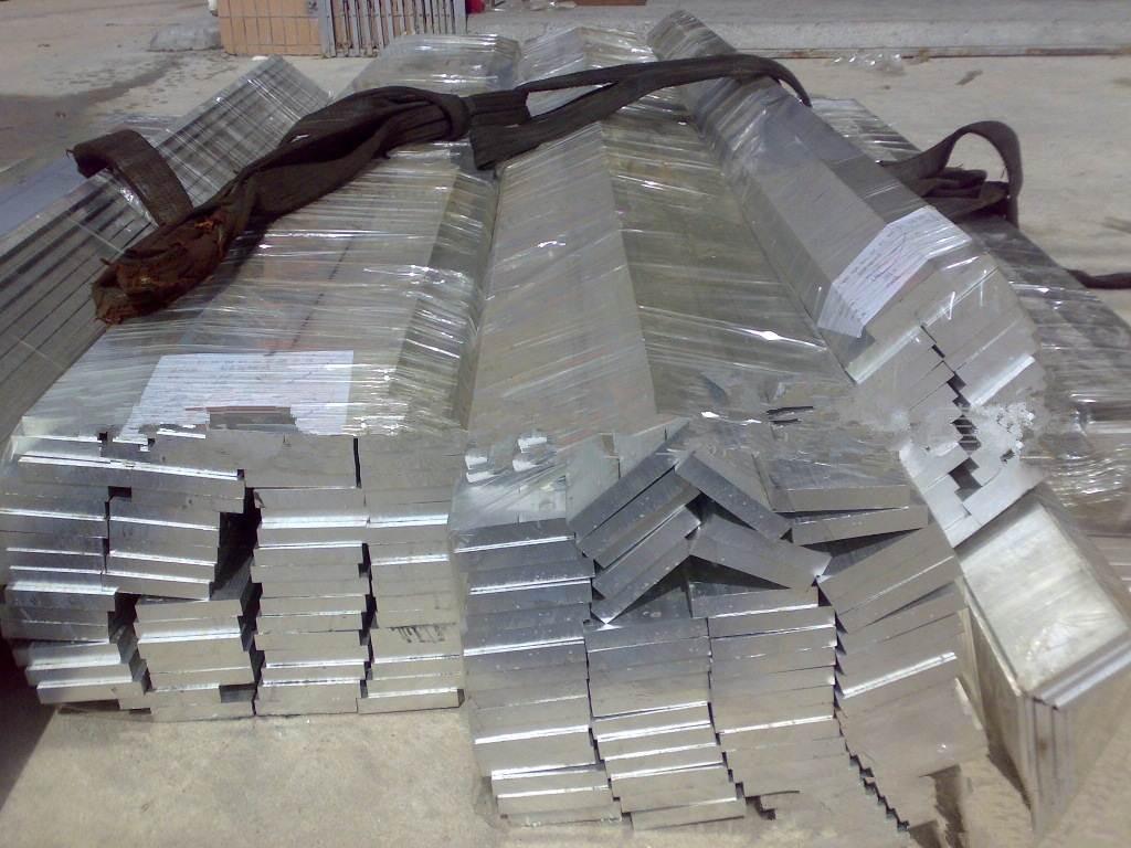 連雲港5A02鋁板,鋁棒可零切