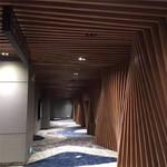 室内隔墙木纹铝方管 弧形铝方管