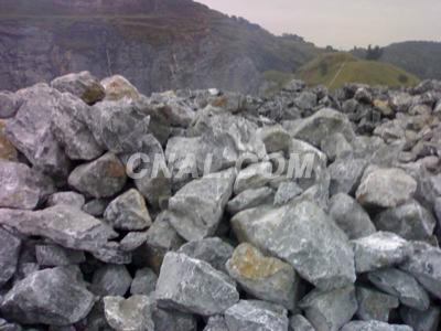 河北顺鑫矿产大量供应高钙脱硫石灰石粉325目