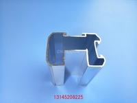 隔断铝型材定制衣柜们铝材厂家直销