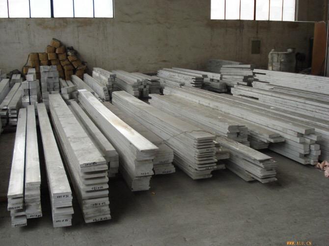 供應現貨0.7毫米防腐保溫鋁板多少錢一噸-天津裕昌