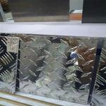 镜面花纹铝板价格
